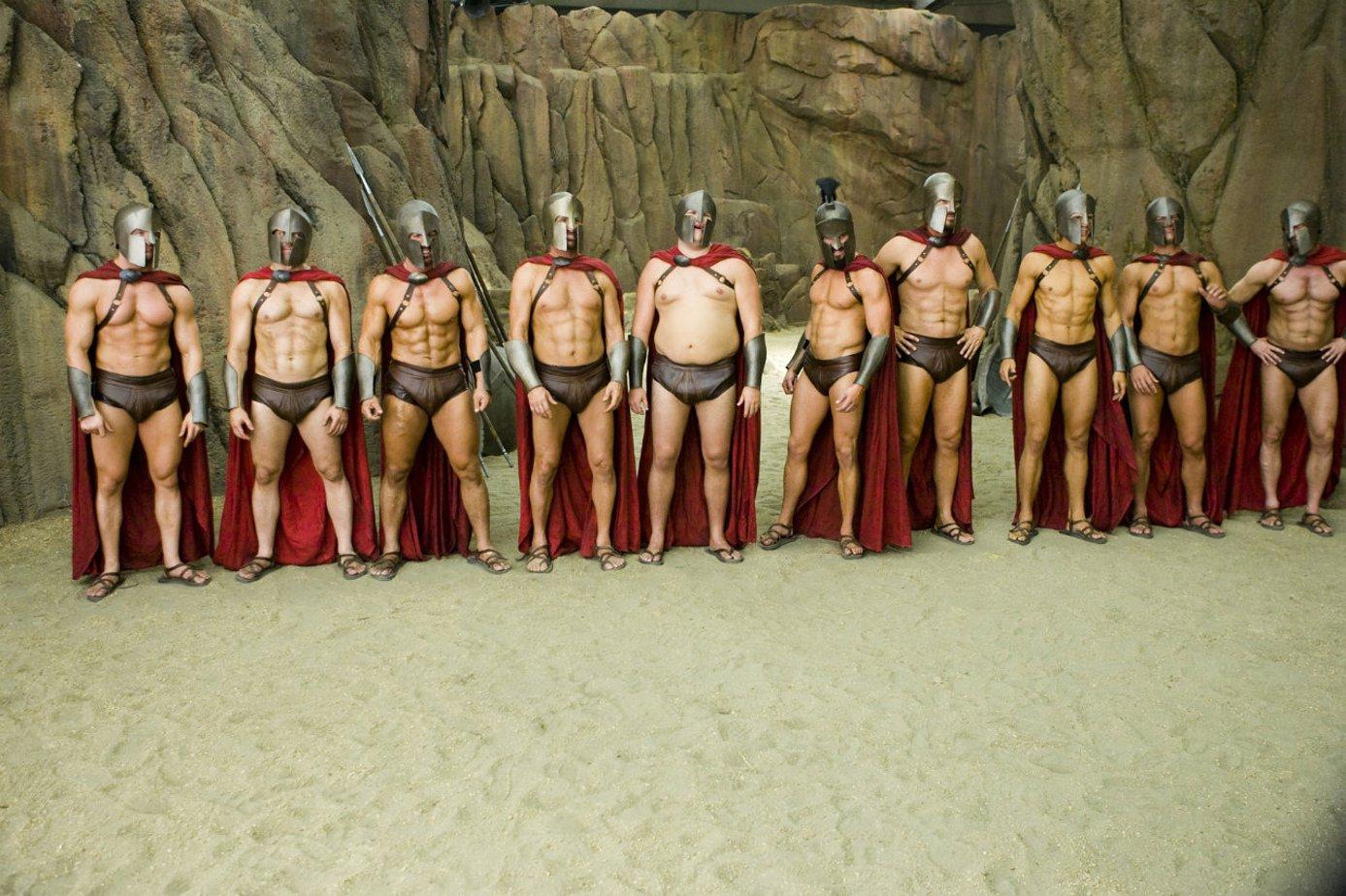 Месяцами девочки, картинка прикол 300 спартанцев