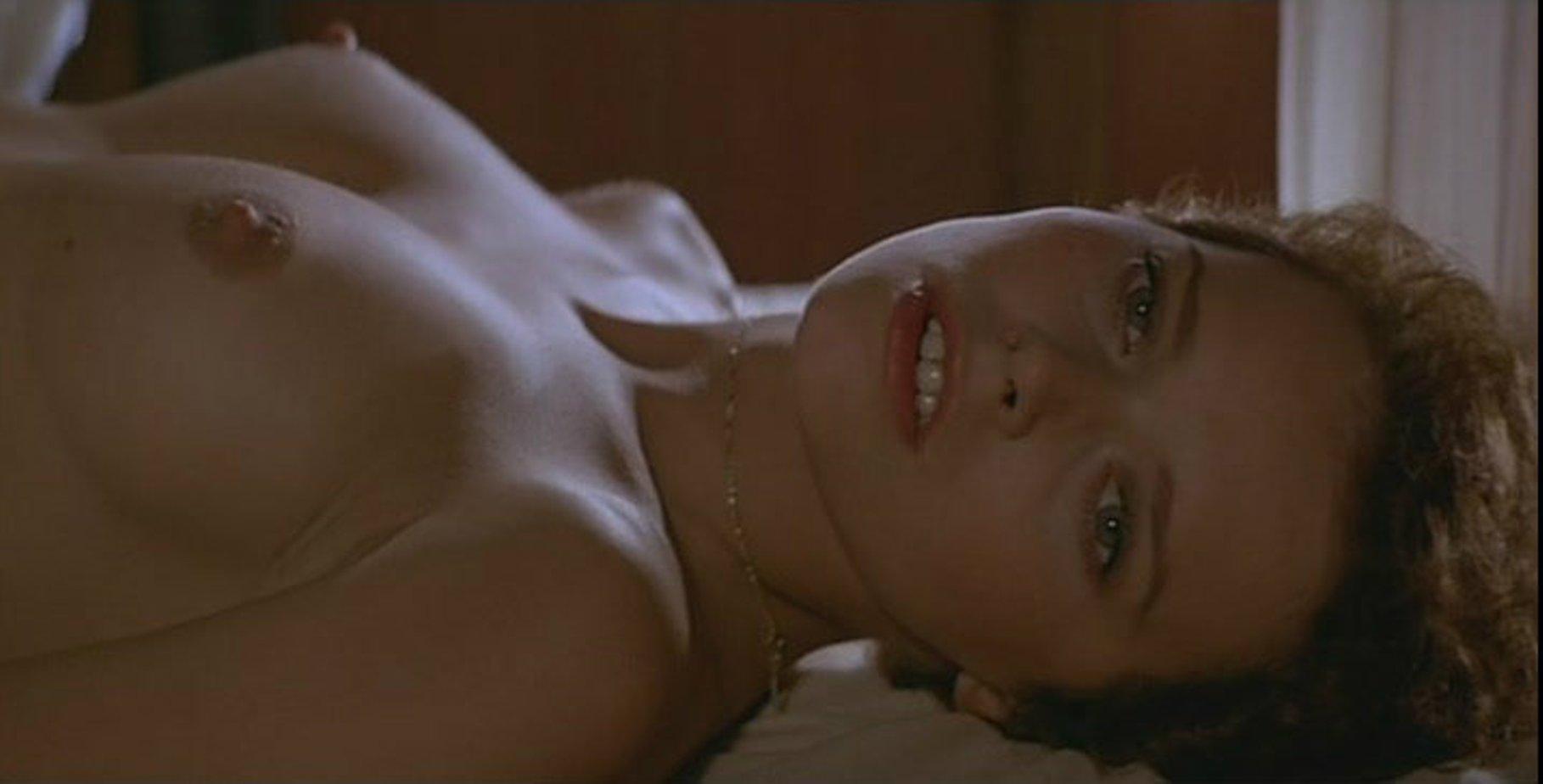 podborki-s-eroticheskih-filmov-onlayn