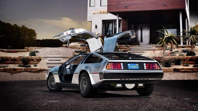 Машина из «Назад в будущее» поступит назад в продажу