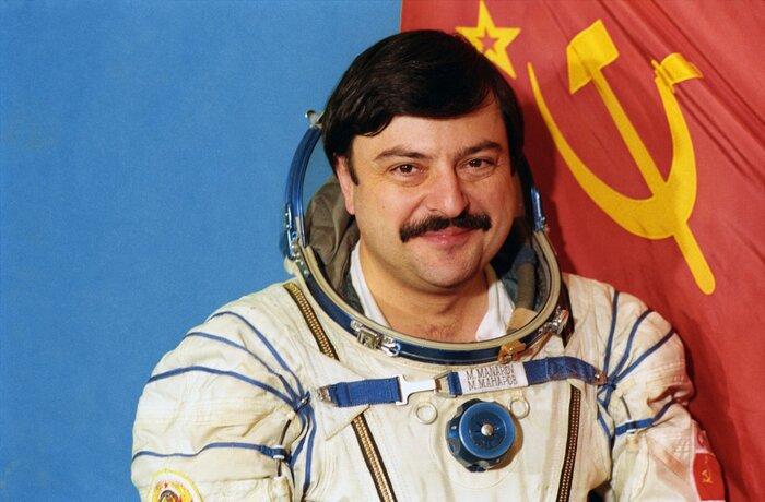 «Фильм Про. Экспертиза»: Исследуем «Гравитацию» с героем-космонавтом Мусой Манаровым