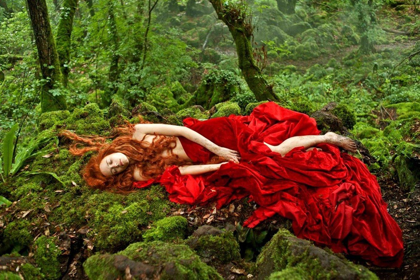 Интерпретация фильма спящая красавица с рыжей девушкой в гл ролях, порно секс лежа