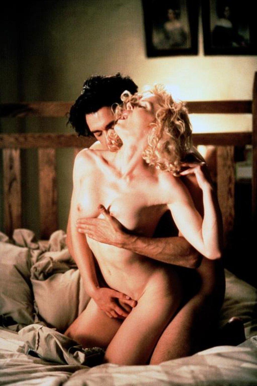 film-spokusa-erotika-vihodnogo-dnya