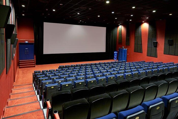 Власти Москвы усиливают меры безопасности в кинотеатрах