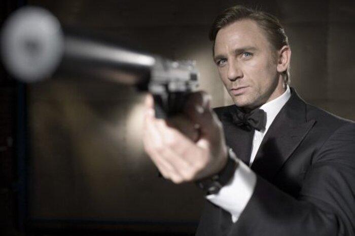Фанаты Джеймса Бонда определили семь способов стать агентом 007. Видео