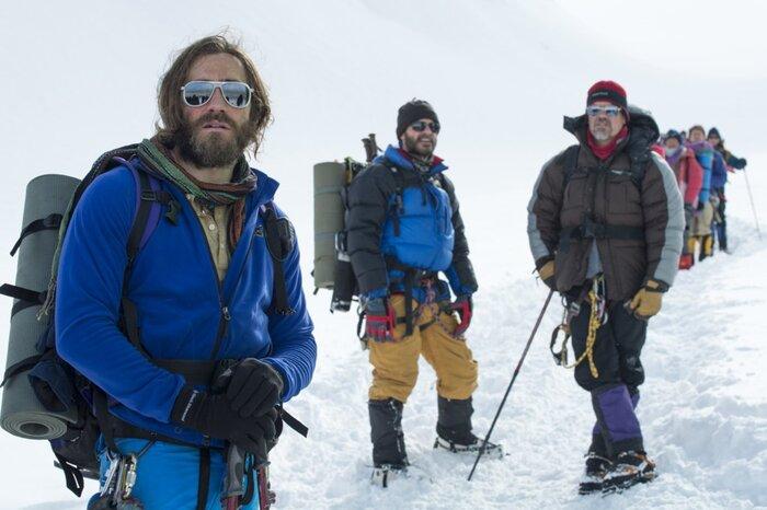 Касса четверга: «Эверест» уверенно стартует с первого места