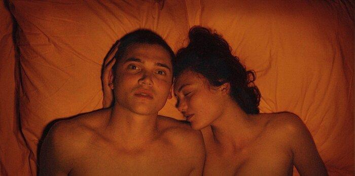 В Сети опубликован трейлер фильма Гаспара Ноэ «Любовь», который не выйдет в прокат в России (18+)