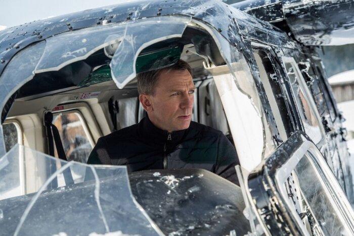 Новый постер фильма «007: Спектр» наводит ужас