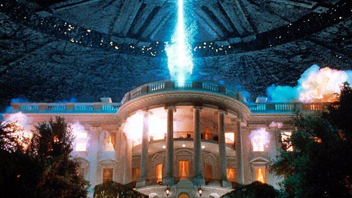 От «Звёздных врат» до «Дня независимости 2»: главные фильмы Роланда Эммериха
