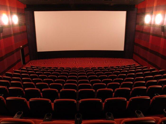 В театрах Симферополя установят светодиодные экраны и будут показывать патриотические фильмы