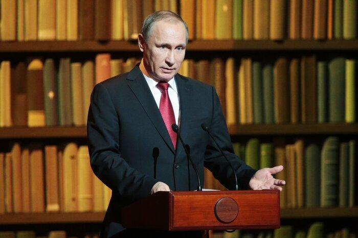 Владимир Путин подвёл итоги Года литературы и дал старт Году кино в России