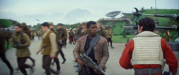 Предварительная касса уикенда: фильм «Звёздные войны: Пробуждение Силы» сохранил лидерство