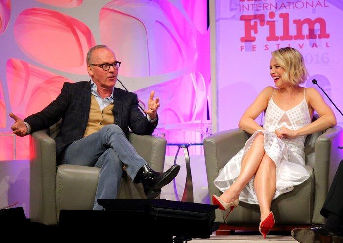 Фото дня: Майкл Китон и Рэйчел МакАдамс получили специальную награду на кинофестивале в Санта-Барбаре