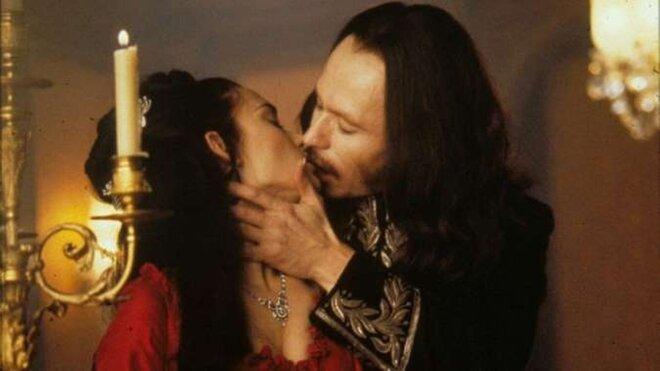 Прижаться покрепче. «Страшные» романтические фильмы ко Дню влюблённых