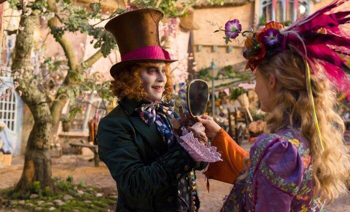 Блистательный Джонни Депп – в новом трейлере «Алисы в Зазеркалье»