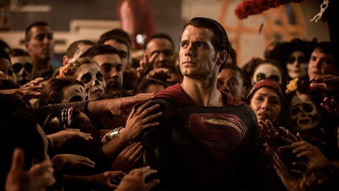 Предварительные продажи билетов на фильм «Бэтмен против Супермена» бьют рекорды