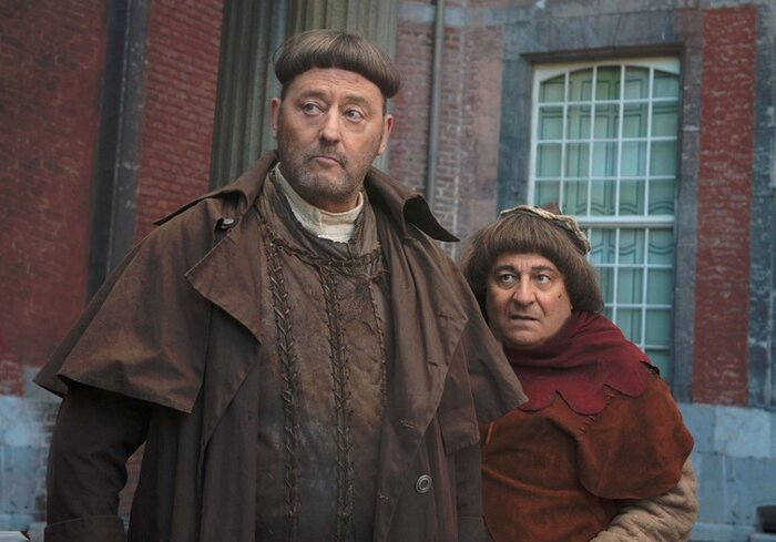 На большие экраны выходит комедия «Пришельцы 3: Взятие Бастилии» с Жаном Рено и Кристианом Клавье