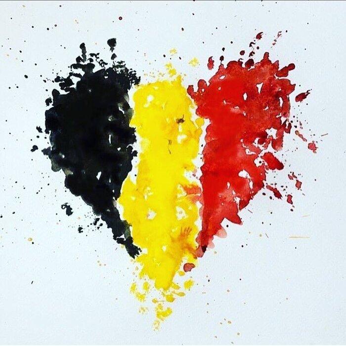 Звёзды в своих блогах высказываются об атаке на Брюссель