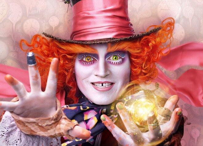 Таинственный Джонни Депп в новом видео фильма «Алиса в Зазеркалье»