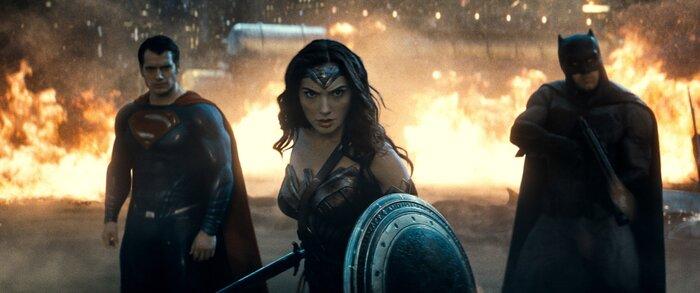 Сборы фильма «Бэтмен против Супермена» резко снизились на втором уикенде