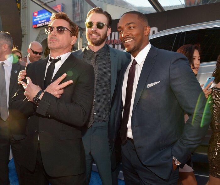 Фото дня: в Лос-Анджелесе прошла мировая премьера фильма «Первый мститель: Противостояние»