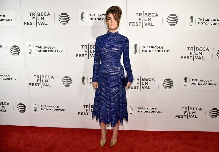 Фото дня: Роуз Бирн предстала в очень неоднозначном платье