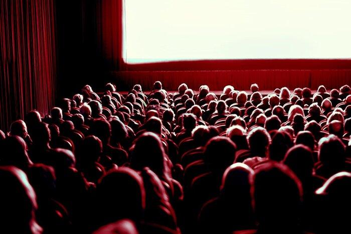 Кинотеатры обяжут выгонять зрителей за употребление матерных выражений