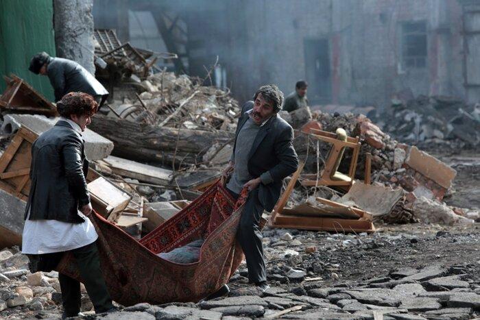 «Землетрясение»: представлен финальный постер фильма-катастрофы