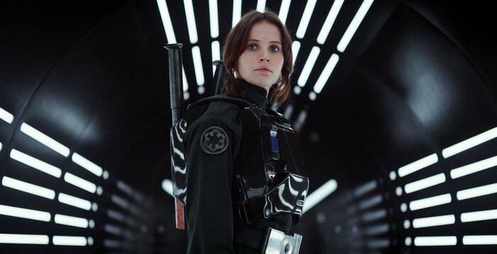 Опубликованы новые фотографии со съёмок продолжения «Звёздных войн»
