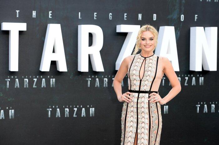 Фото дня: Марго Робби выбрала лёгкое полупрозрачное платье для премьеры фильма «Тарзан. Легенда»