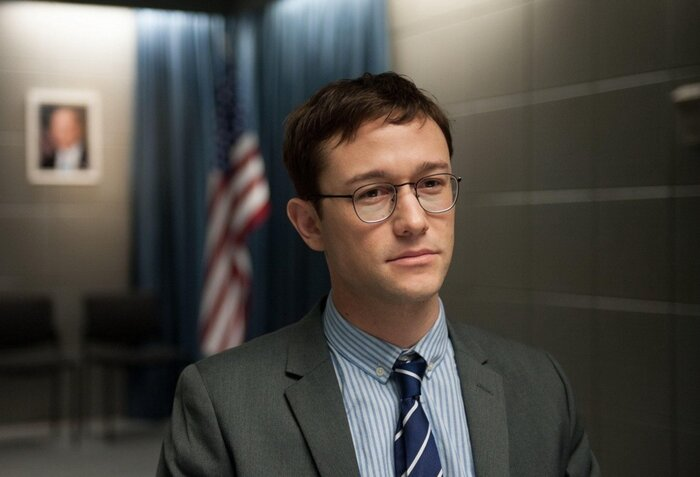 Что посмотреть на выходных: «Сноуден», «Бриджит Джонс 3» и другие фильмы в кино, на ТВ и онлайн