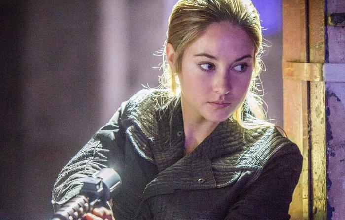 Шейлин Вудли выступила против сериальной версии «Дивергента»