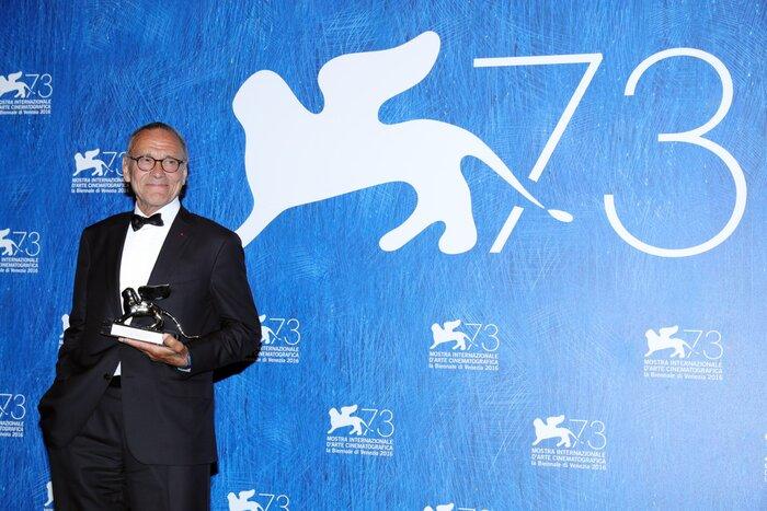 Кончаловский получил «Серебряного льва» в Венеции, мировая премьера «Дуэлянта» и другие новости выходных