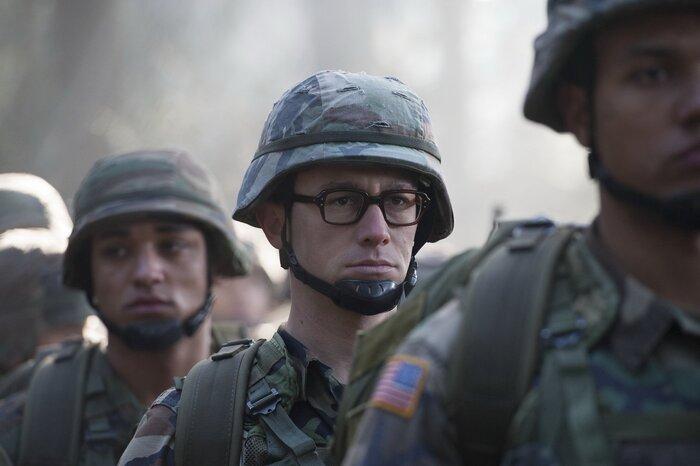 «Сноуден» Оливера Стоуна: что говорят российские кинокритики
