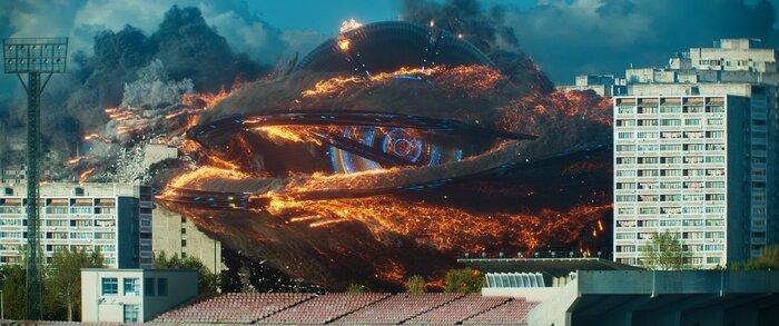 Инопланетяне уже в Москве: трейлер «Притяжения» знакомит со смертельной угрозой