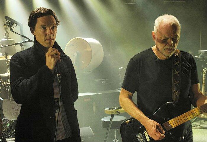 Камбербэтч шокировал зрителей рок-концерта роскошным вокалом