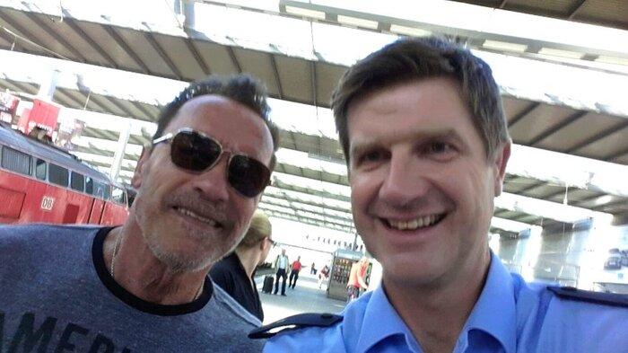 Арнольд Шварценеггер попал в руки к немецким полицейским