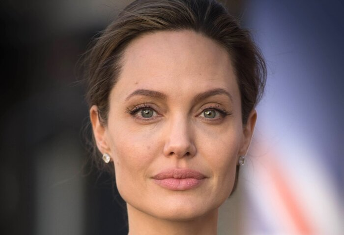 Папарацци обнаружили секретный особняк, где Анджелина Джоли прячет детей