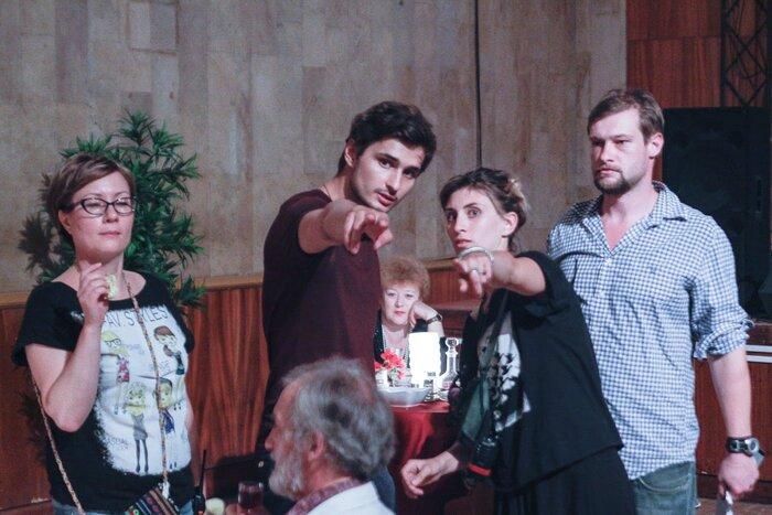 Иван Шахназаров снимает фильм о провинциальных рок-музыкантах, а Пётр Тодоровский - историю любви