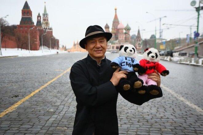 Джеки Чан посетит церемонию открытия фестиваля китайского кино в столице