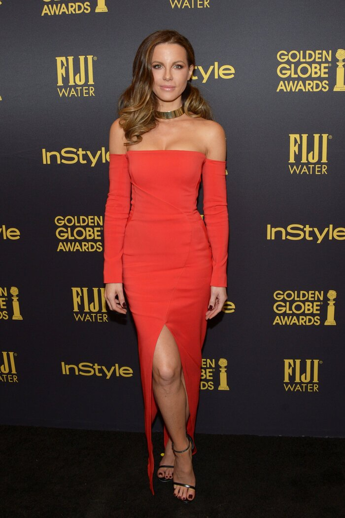 Звезда «Другого мира» Кейт Бекинсейл продемонстрировала новое соблазнительное платье