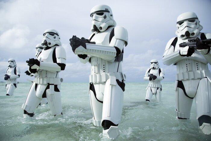 Из-за скандальной выходки сценаристов новые «Звёздные войны» несут убытки ещё до премьеры