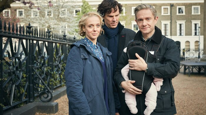 Фотографии со съёмок сериала «Шерлок» раскрывают сюжетные повороты нового сезона