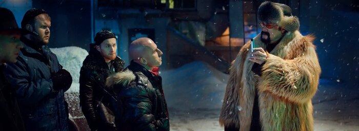 Стивен Сигал снялся в русской рекламе, раскрыты тайны новых «Звёздных войн» и другие новости выходных