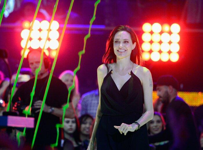 Жертвой агрессии Анджелины Джоли стал её брат