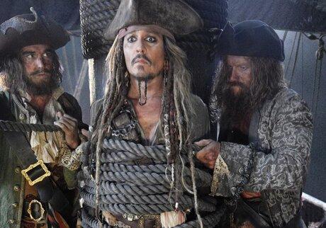 Пираты Карибского моря : Мертвецы не рассказывают сказки смотреть онлайн смотреть кино новинки — 14 тыс. видео