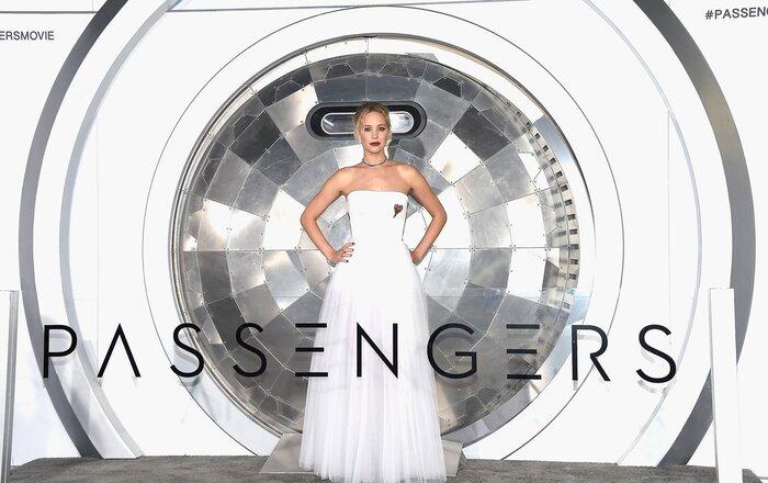Фото дня: Дженнифер Лоуренс блистает на премьере «Пассажиров»