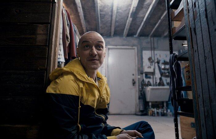 МакЭвой играет психопата с 23 личностями в «Сплите». Видео