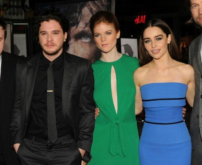 Звёзд «Игры престолов» подозревают в романе на съёмках
