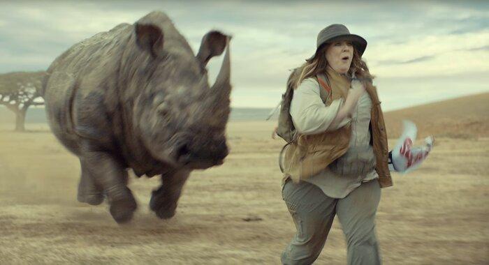 Мелисса МакКарти пытается спасти планету в рекламе Kia