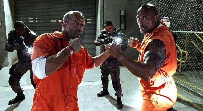 «Скала» против Стэйтема: герои «Форсажа 8» схлестнулись в новом тизере